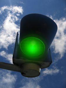 Nauka angielskiego online - Angielski Słówka - Blog o języku angielskim - to give someone the green light