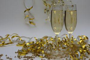 Nauka angielskiego online - Angielski Słówka - Blog o języku angielskim - Glasses of champagne